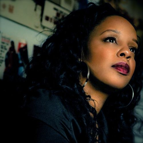 Rah Digga - Never Back Down  (con Nitty Scott, MC) 