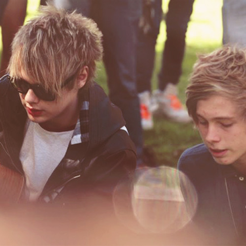 5 Seconds of Summer -Everything I Want