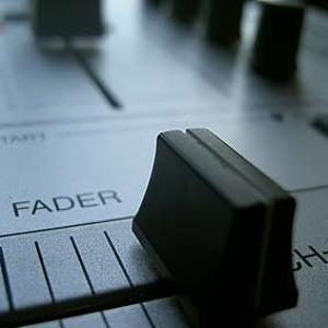 Carlos Gallardo Ft Lorena Gomez - Get It Up (Brayan Master Mix) להורדה