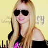 Avril Lavigne - Hello Kitty Version Male