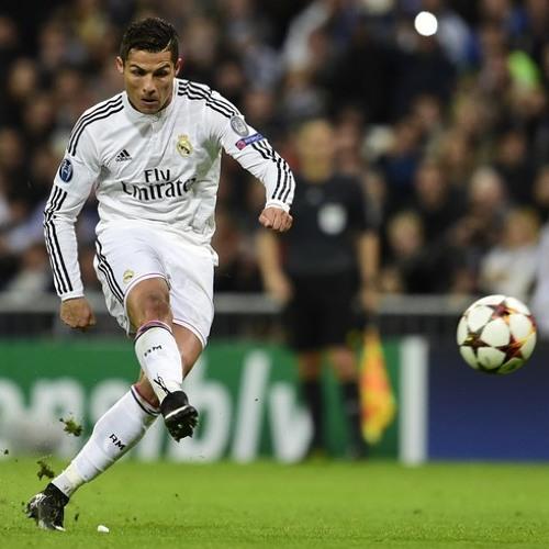 Ronaldo shooting the ball