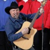 KSNI's Jay and Jessie chat with Garth Brooks 080416