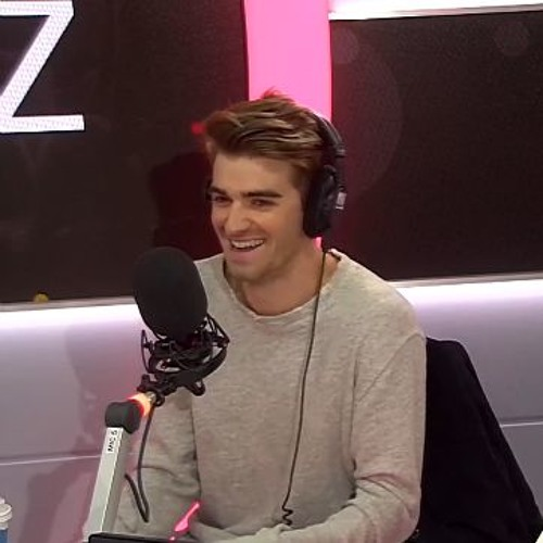Download Ep 16: The Chainsmokers Chat In The Studio, Plus Lady Gaga's Big Return! by PopBuzz Mp3 Download MP3
