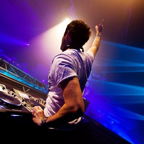 I Wanna Dance (Original Mix) by Mustafa Can Aladağ
