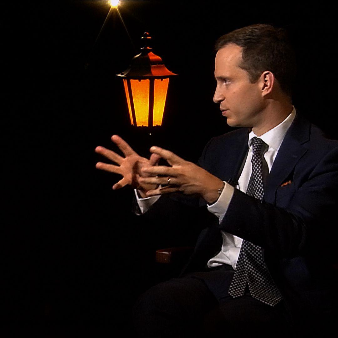 .pod lampou: Píše pre Wall Street Journal a N.Y.Times, ale vracia sa na Slovensko pomôcť vo voľbách