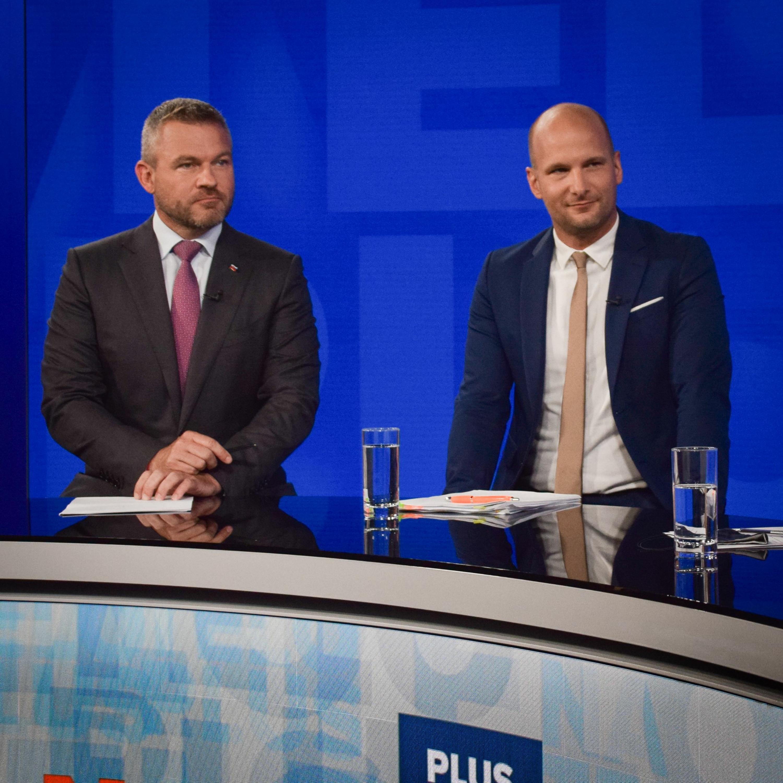 Na telo plus s Petrom Pellegrinim (Hlas) a Gáborom Grendelom (OĽaNO)