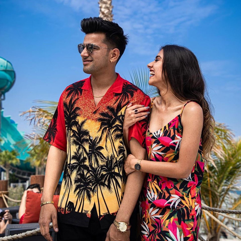 The Bollywood And Hollywood Year End Mashup 2019 - VDj Royal Mp3 ...