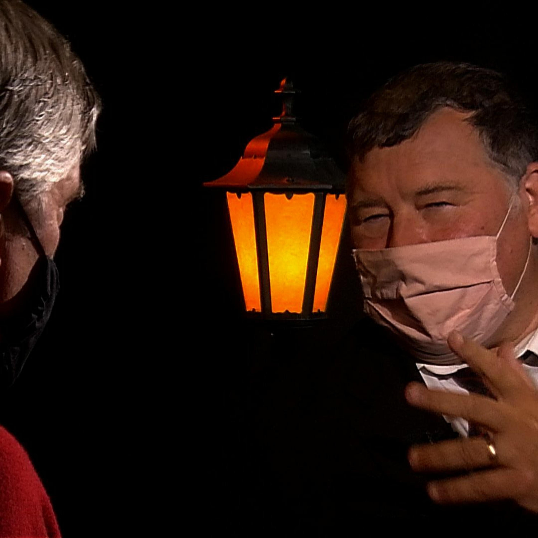 .pod lampou s profesorom Krčmérym: Čo sme podcenili, ako prežiť druhú vlnu a kedy si vydýchneme