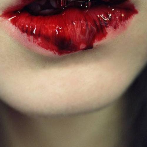 Фото губы в крови на аву
