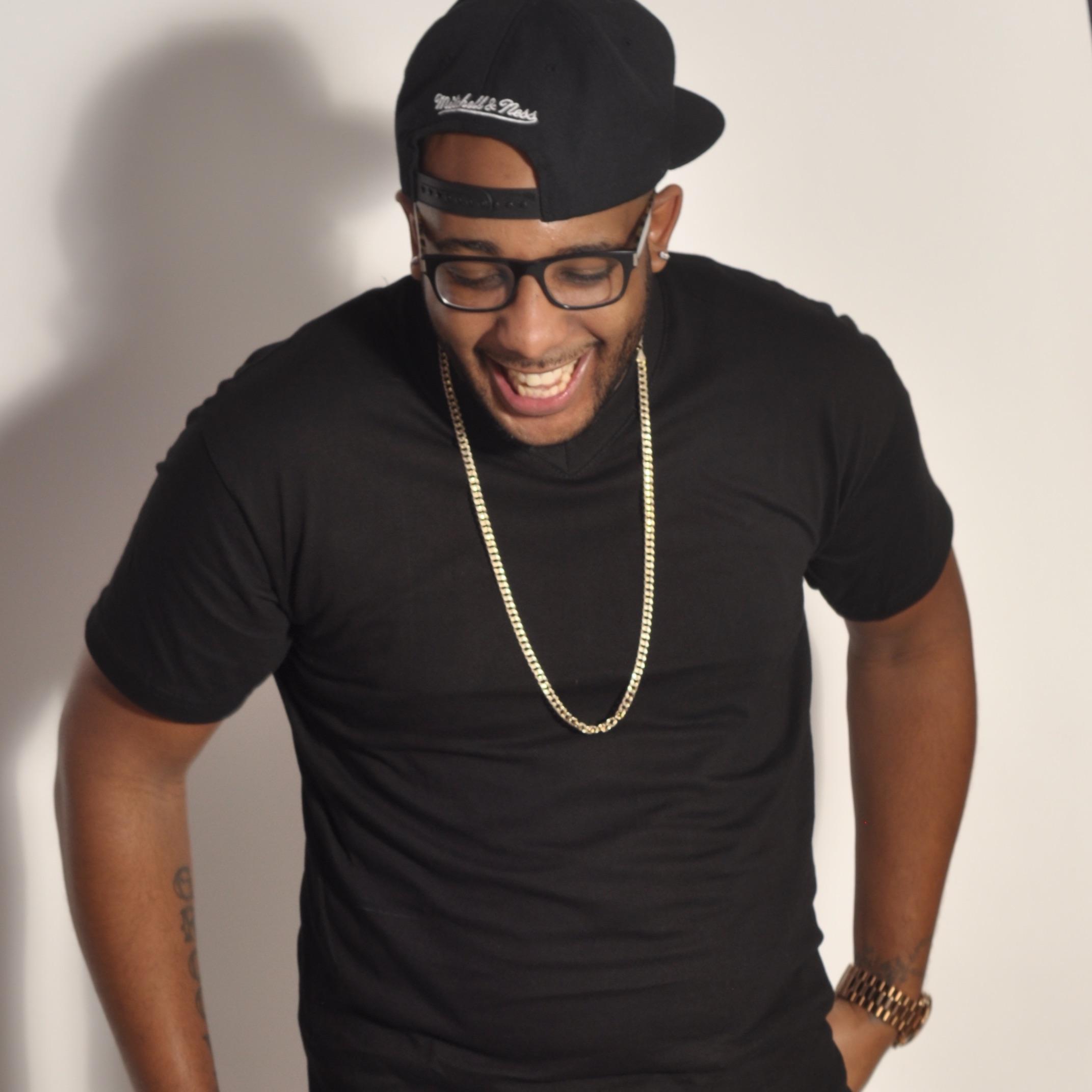 DJ MR.GROOVE