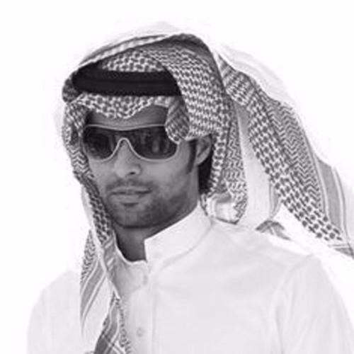 работы: как мужсчины одивают арабский платок на шею при