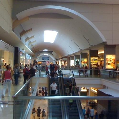 Garden State Plaza Mall