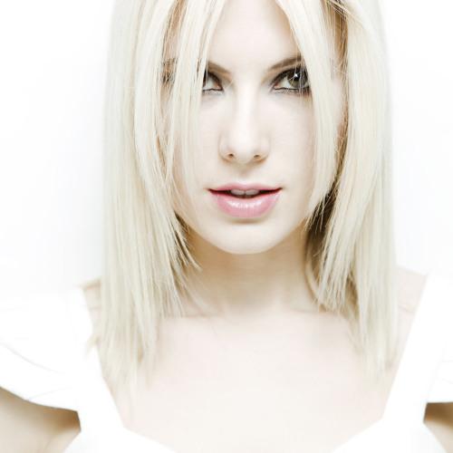 Daniella ride bastien laval remix radio kul rip for Ashley laval