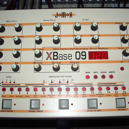 Jomox Xbase09 drum hits