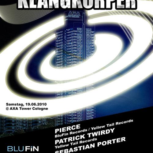 19.06.2010 ::: PIERCE @ KLANGKÖRPER / 45th floor AXA TOWER ::: THE WARMUP