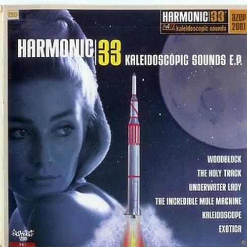 Underwater lady - Harmonic 33