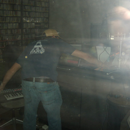 Charlie P - Live Improv Set on The Mobius - WREK 91.1 FM - 09.22.2010  ***Free Download***