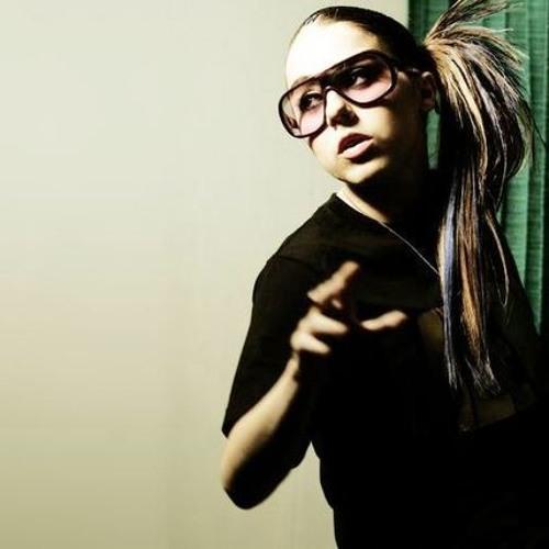 Lady Sovereign - Love Me or Hate Me (remix bai joeyverbeke.)