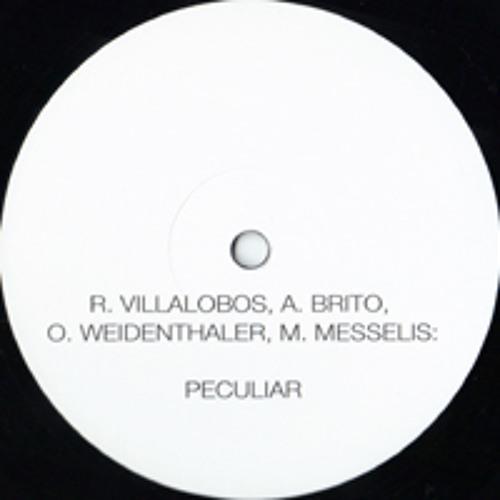 Peculiar. Villalobos/Brito