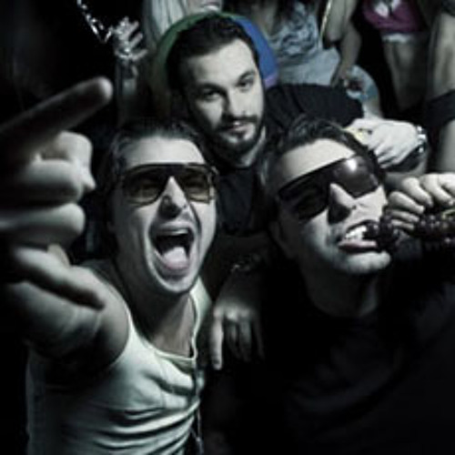 Swedish House Mafia Essential Mix At Creamfields 2010 (UK) 29-08-2010