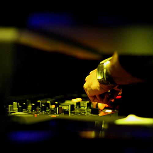 DapuntoBeat - :0 (SLKTR remix 1.0) (no vocals)