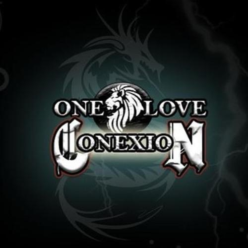 One love conexion un beso en la boca