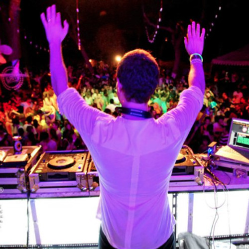 Live DJ Set ( SUNDANCE DIANI NYE 2011 - Mombasa , Kenya