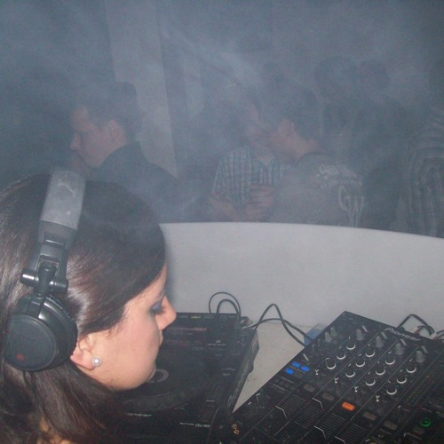 Minimo January 2011 (Minimal-Techouse Ainhoa Dj-Set)