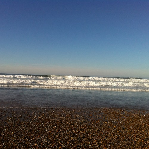 PP Wave break on shore