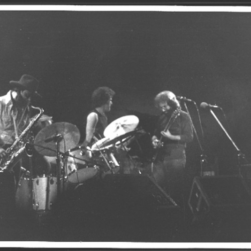 Jerry Garcia & Merl Saunders - Just Kissed My Baby (Meters Cover) 11/28/74