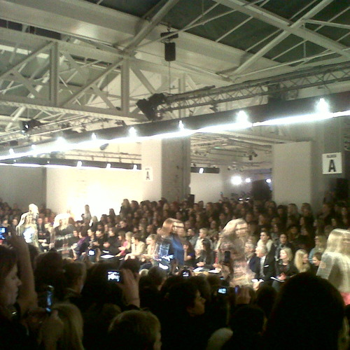 Matthew Williamson AW'12 London (show music by Jerry Bouthier)