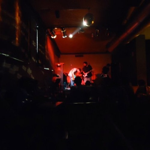Woodie Alien en vivo en Plasma (extracto)