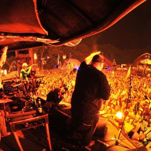 DJ A.M.C ON 4 DECKS WITH MC CARASEL STUDIO MIX - A.F.B VOL 2