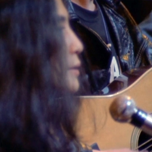 Yoko Ono - O Sisters O Sisters (live at Apollo Theater)