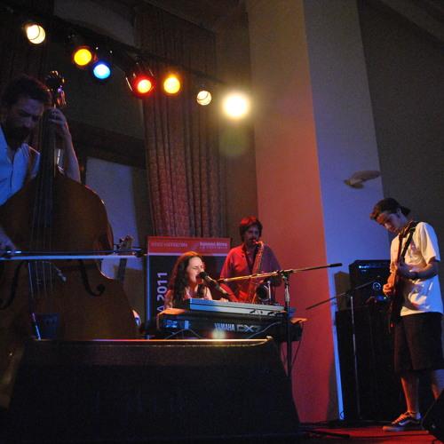 SAL - en vivo en el Foyer del Auditorium de Mardel, 2011.