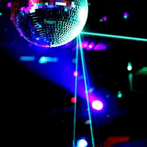Cumbia Poblana DJ Disturb mixes prom