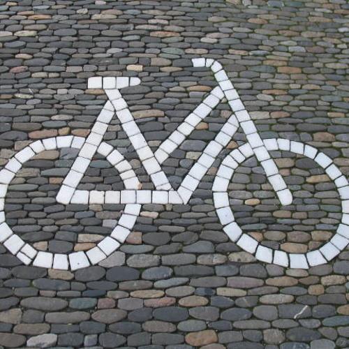 Drauf und Dran IN THE MIX radioset aka. Franzi fährt Fahrrad durch in Neukölln