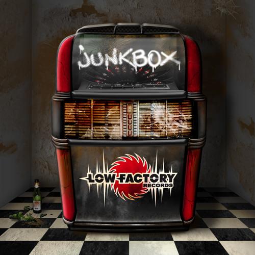 HIELO - ALIEN FACTORY (LowFactory recs. - Junkbox compilation)