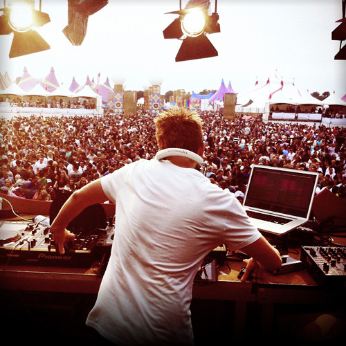 Funkagenda Live @ 7th Sunday Festival - Eindhoven - NL - Sun 12th June 2011