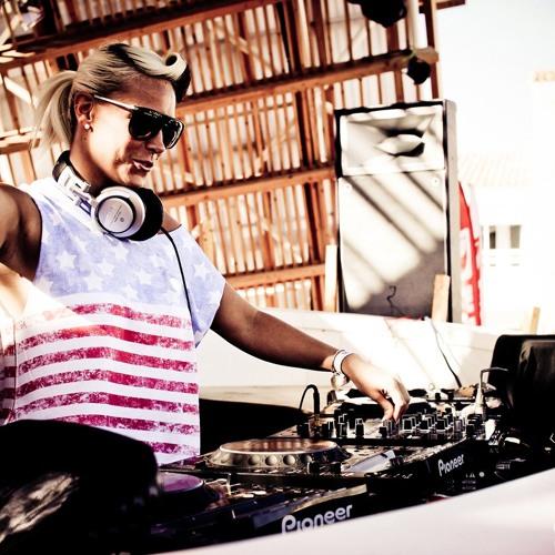 Sam Divine - Live at Ushuaia, Ibiza 25 6 11