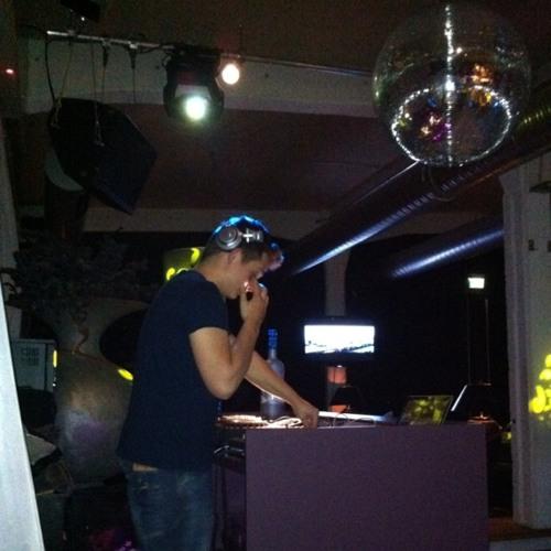 Mikkel F at SOHO Club