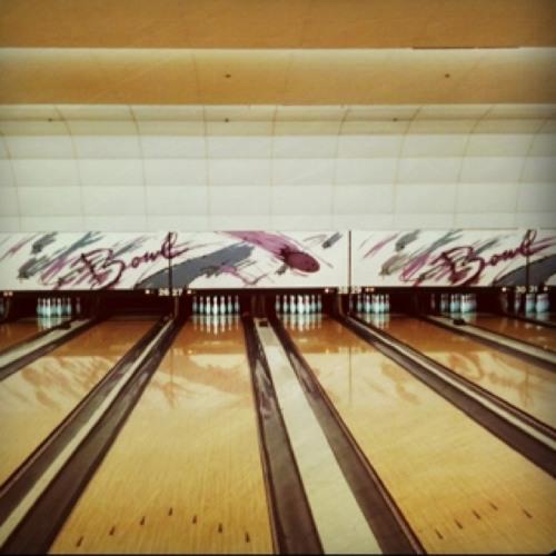 Bowling time at Saddleback Lanes