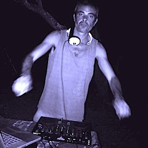 Flying Tek-House mix @ Club Cirrus, Anjuna, Goa 24/04/11