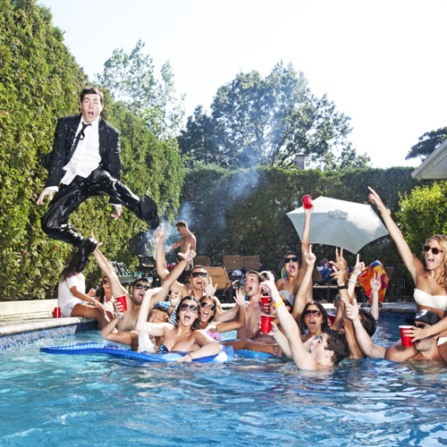 Hoodie Allen - The Chase Is On