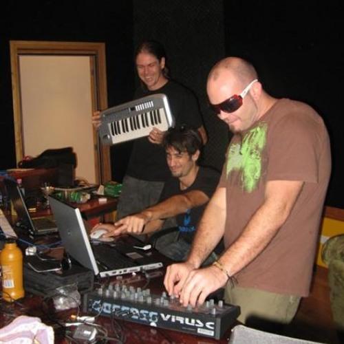 Nitro feat Launchpad-Freq life ( Nitro live edit )