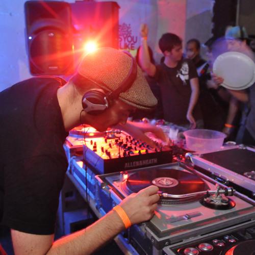 C.l.a.w.s (dj set) at AYLI w DJ Qu 07.22.11