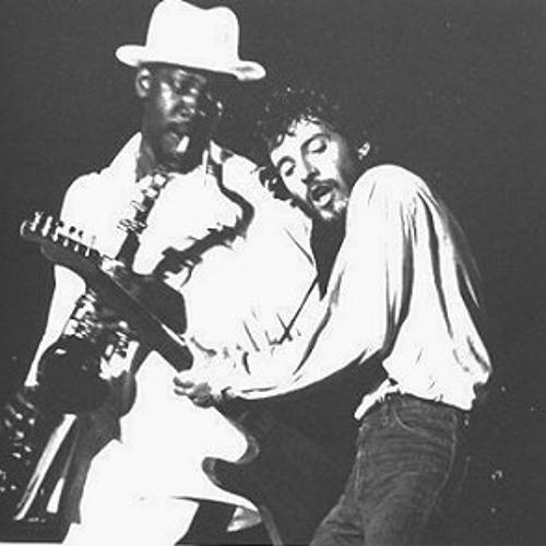 """Dancing in the Dark"" (live) - Bruce Springsteen"
