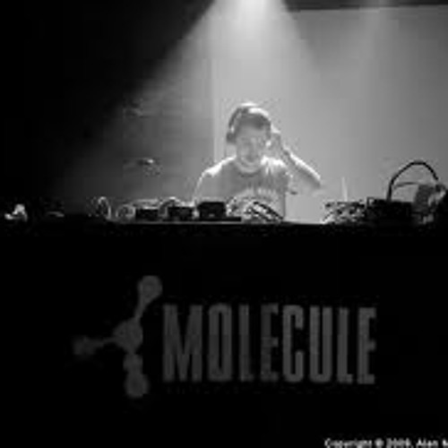 We Are Enfant Terrible - I can't help myself (Molecule RmX)