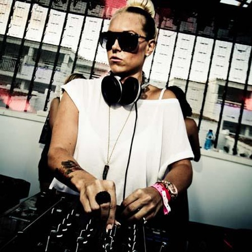 Sam Divine - Live from Defected Closing at Ushuaia 24 9 11