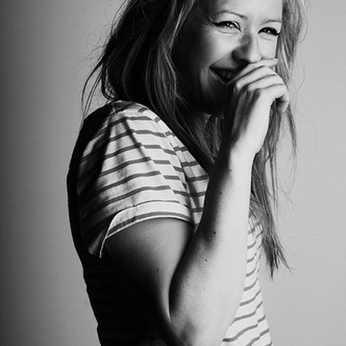 Ellie Goulding - Lights (in0ut Remix)
